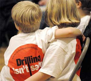 /frack_files/drillinisntsafekidtshirt.jpg